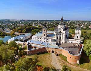 Съемка с дрона Аэрофотосъемка монастырь кармелитов. Бердичив, Украина