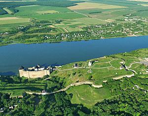 Аэрофотосъемка Съемка с дрона Хотынский замок. Хотин. Украина