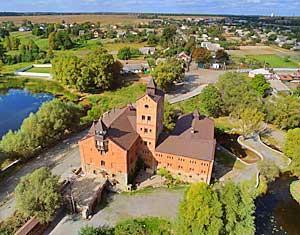 Съемка с дрона Аэрофотосъемка замок в Радомышле. Житомирская область, Украина