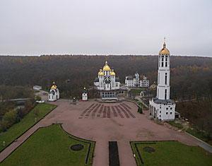 Съемка с дрона Аэрофотосъемка монастырь Зарваница. Тернопольская область, Украина