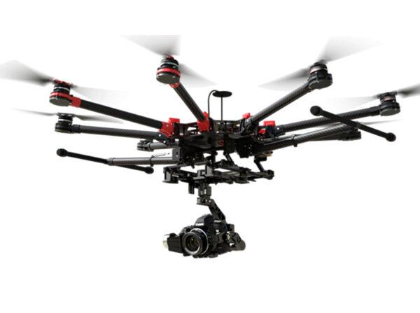 "Октакоптер DJI ""Spreading Wings"" S900 с подвесом ""Zenmuse"" для камеры ""Panasonic GH4"""